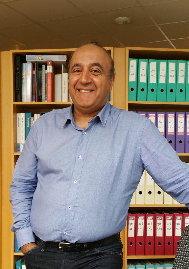 Drs. M. Karimi